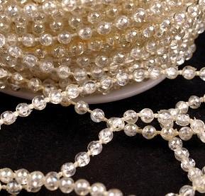 plastične perle na vrvici, 3 mm, b. vanilije, prosojne, 1 m