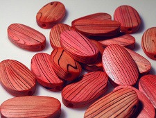 lesene perle 20x33 mm, ovalne, temno roza, 1 kos