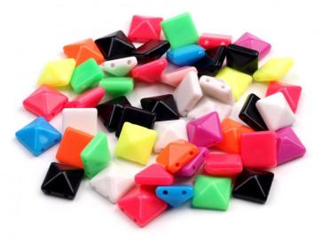 plastične perle - piramida, 10 x 10 x 6 mm, mix, 10 kos