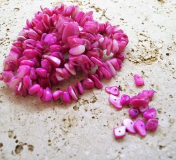 "školjke, ""čips"" 0,5 - 1,5 cm, roza, 50 gr"