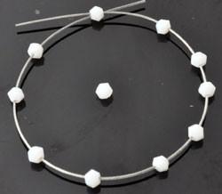 steklene perle - bikoni, 4 x 3,5 mm, white opal, 1 kos