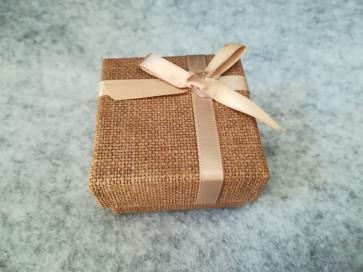škatla za prstan 51x52x31 mm, videz jute, rjava, 1 kos