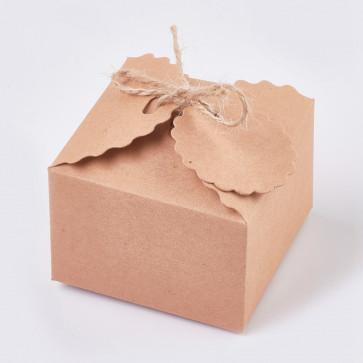 darilna embalaža 6.5x6.5x4.5 cm, rjave barve, z vrvico, 1 kos