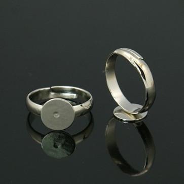 osnova za prstan s ploščico 10 mm, premer nastavljivega obročka: 19 mm, platinaste barve, brez niklja, 1 kos