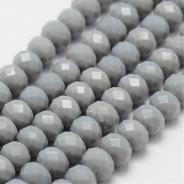 steklene perle, nepravilno okrogle 8x6 mm, sive, 1 niz - cca 67 kos