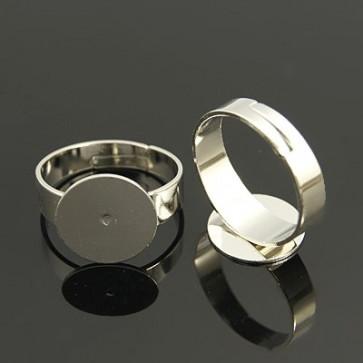 osnova za prstan s ploščico 12 mm, premer nastavljivega obročka: 18 mm, platinaste b., brez niklja, 1 kos