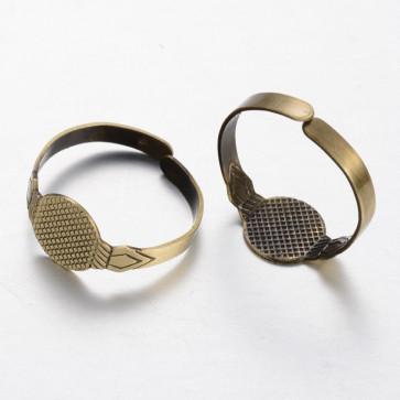 osnova za prstan s ploščico 10 mm, premer nastavljivega obročka: 19 mm, antik, 1 kos