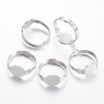 osnova za prstan s ploščico 10 mm, premer nastavljivega obročka: 19 mm, platinaste barve, 1 kos