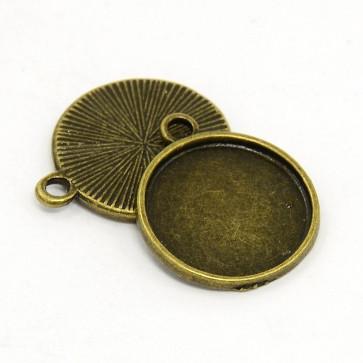 osnova za obesek - medaljon 21x18x2 mm, antik, brez niklja, velikost kapljice: 16 mm, 1 kos