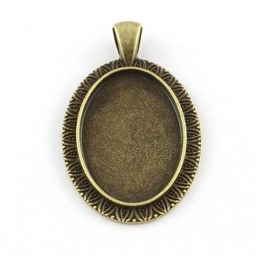 osnova za obesek - medaljon 46x28x2.5 mm, antik, brez niklja, velikost kapljice: 20x30 mm, 1 kos