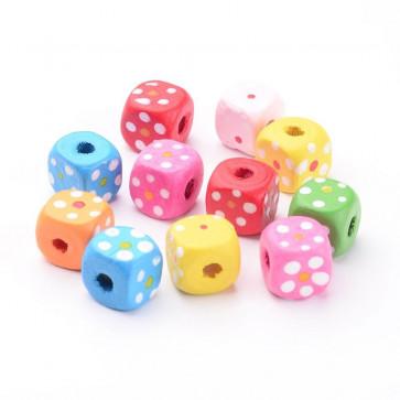 lesene perle 10 mm, kocka z rožicami, mix, velikost luknje: 3 mm, 50 kos