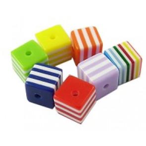 plastične perle - kocka 8x8 mm, pisane, mix 10 kos