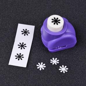 luknjač za papir - mali, roža 8 mm, 33x26x31 mm, 1 kos