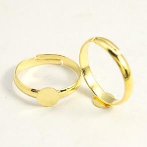 osnova za prstan s ploščico 6 mm, premer nastavljivega obročka: 17 mm, zlate barve, 1 kos