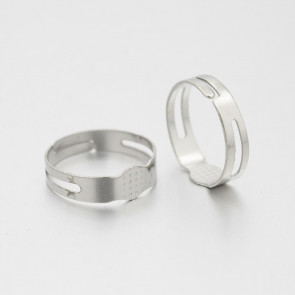 osnova za prstan s ploščico 7 mm, premer nastavljivega obročka: 17 mm, platinaste barve, 1 kos