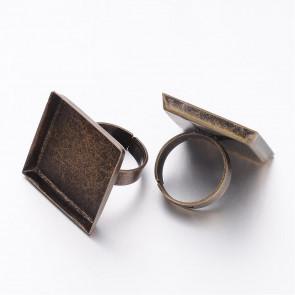 osnova za prstan za kapljico 25 x 25 mm, premer nastavljivega obročka: 17mm, antik, 1 kos