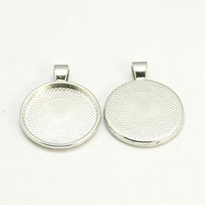osnova za obesek - medaljon 36x28x3mm, barva starega srebra, brez niklja, velikost kapljice: 25 mm, 1 kos