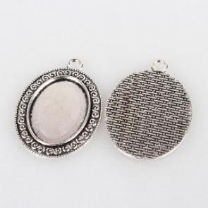 osnova za obesek - medaljon 39x28x2mm, b. starega srebra, velikost kapljice: 18x25 mm, 1 kos