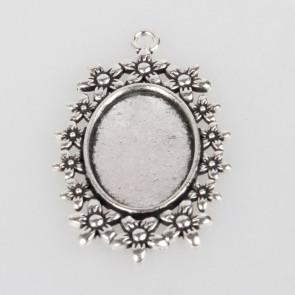 osnova za obesek - medaljon 49x31x2mm, b. starega srebra, velikost kapljice: 18x25 mm, 1 kos