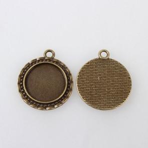 osnova za obesek - medaljon 32x28x2mm, antik, brez niklja, velikost kapljice: 20 mm, 1 kos