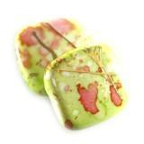 plastične perle, ploščate - kvadratne 17 x 17 mm, zelene, 50 gr