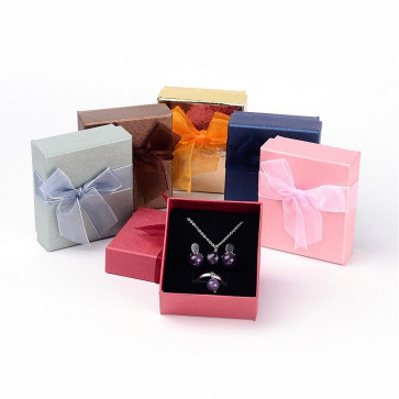 škatla za nakit 7x8x3.2 cm, vijola, 1 kos