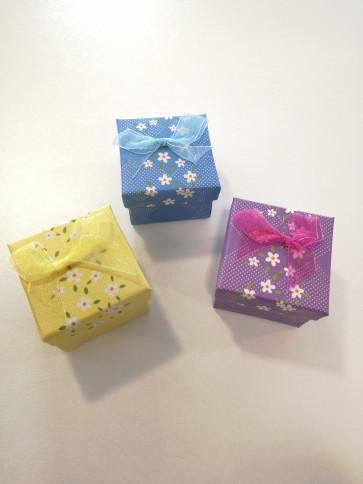 darilna embalaža, 5,1x5,1x5,3,9 cm, rumena, 1 kos