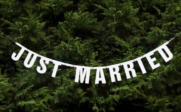 """okrasni trak """"Just married"""", 18x170 cm , 1 komplet"""