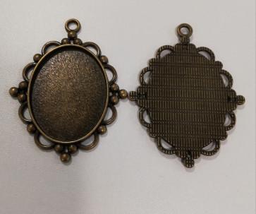 osnova za obesek - medaljon 62.5x47x3mm, antik, velikost kapljice: 30x40 mm, 1 kos