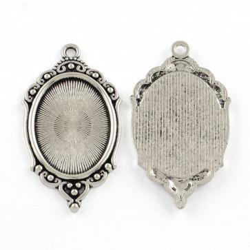 osnova za obesek - medaljon 65x37x2.5 mm, barva starega srebra, velikost kapljice: 30x40 mm, 1 kos