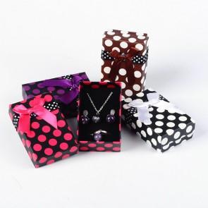 darilna embalaža za nakit, 50x80x27 mm, črna z belimi pikami, 1 kos