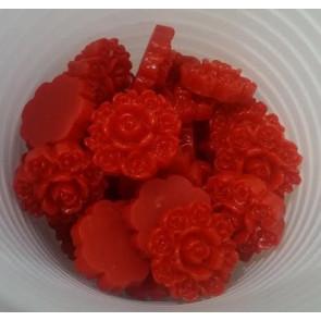 roža - umetna masa, vintage, 13x13 mm, debelina: 5 mm, rdeča, 1 kos