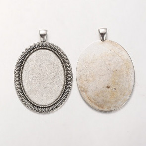 osnova za obesek - medaljon 58.5x40x2 mm, b. starega srebra, velikost kapljice: 30x40 mm, 1 kos