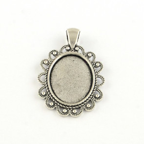 osnova za obesek - medaljon 44,5x28x2.5 mm, barva starega srebra, velikost kapljice: 18x25 mm, 1 kos