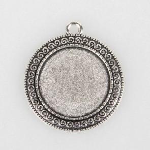 osnova za obesek - medaljon 40x35x2mm, barva starega srebra, velikost kapljice: 25 mm, 1 kos