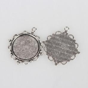 osnova za obesek - medaljon 48x43x3 mm, b. starega srebra, velikost kapljice: 30 mm, 1 kos